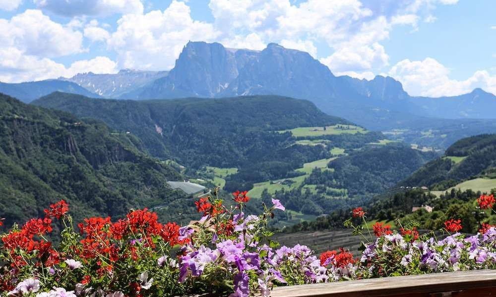 Short holiday in spring in South Tyrol - enjoy the mountains from their best side
